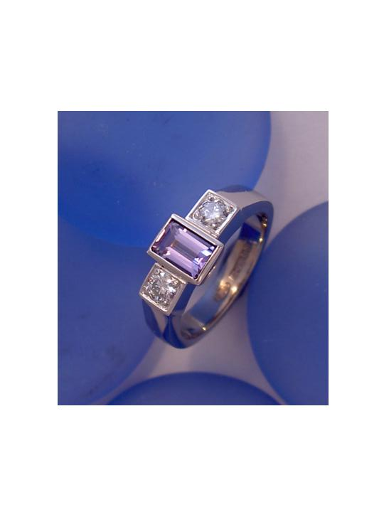 Tanzanite dia 18ct white ring