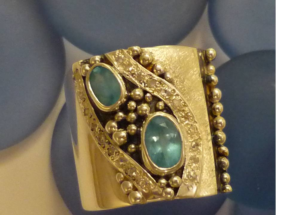 apatite and diamond band granulation ring
