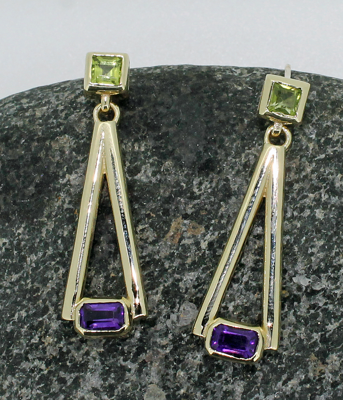 9ct yellow gold drop earring set with square peridot and amethyst