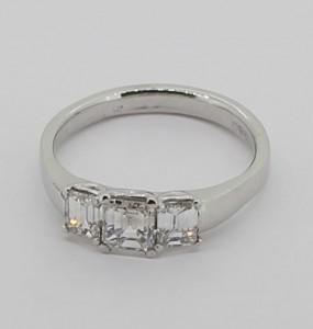 3xoct diamond 18ct white ring