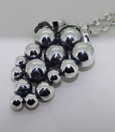 silver grape design pendant
