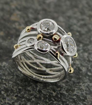 18ct wire and bead dia set ring