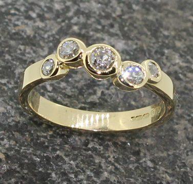5 diamond random set ring