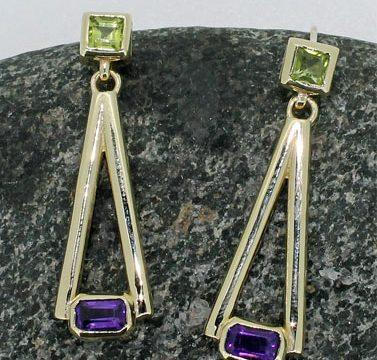 sq peridot and rectangular amethyst drop gold earring